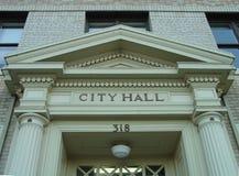 Encabeçamento de porta do salão de cidade Fotografia de Stock Royalty Free