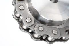 Encadenamiento de conexión del metal y rueda dentada Fotografía de archivo