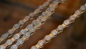 Encadenamiento oxidado de la bicicleta Fotos de archivo