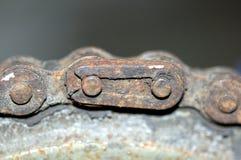 Encadenamiento oxidado de la bicicleta Foto de archivo libre de regalías