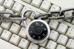 Encadenamiento y teclado Imagen de archivo libre de regalías