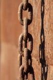 Encadenamientos del hierro del moho Imágenes de archivo libres de regalías