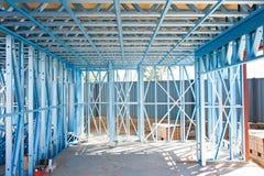 Encadrement à la maison neuf de construction Image libre de droits