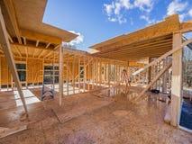 Encadrement de construction de nouvelle maison Photographie stock libre de droits