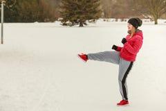 Encaixotamento vestindo do treinamento do sportswear da mulher fora Foto de Stock