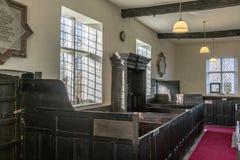 Encaixote bancos e a caixa familiy, capela unitária, Rivington, Reino Unido Fotografia de Stock
