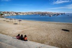 Encalhe a encenação no Chile do norte na área de Bahia Inglesa foto de stock
