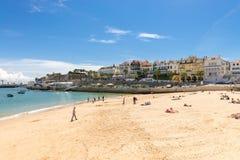 Encalhe na baía de Cascais, uma cidade portuguesa imagens de stock royalty free