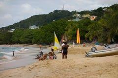 Encalhe o divertimento nas ilhas de barlavento em um domingo Fotos de Stock
