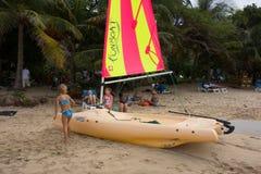 Encalhe o divertimento nas ilhas de barlavento em um domingo Foto de Stock