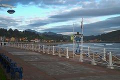 Encalhe o passeio em Ribadesella, as Astúrias, Espanha Fotografia de Stock Royalty Free