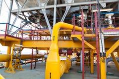 Encanamento da plataforma petrolífera e sistema de transferência da pressão Fotografia de Stock Royalty Free