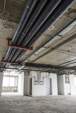 Encanamento no teto Interior sob a construção Foto de Stock Royalty Free