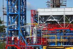 Encanamentos da refinaria do gás Fotos de Stock
