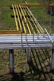 Encanamentos do gás e apoios industriais do concreto Imagens de Stock Royalty Free
