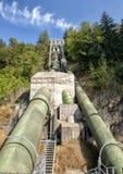 Encanamentos do montanhês do parque de Snoqualmie para a água de transformação no movimento à eletricidade fotografia de stock royalty free
