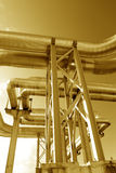 Encanamentos industriais na tubulação-ponte Foto de Stock Royalty Free