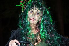 Encantador de serpiente en Halloween Imagen de archivo libre de regalías