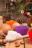 Encantos del Año Nuevo de la Navidad de la preparación Ingredientes y día de fiesta Fotos de archivo