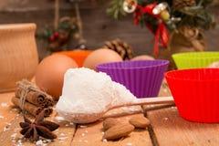 Encantos del Año Nuevo de la Navidad de la preparación Ingredientes y día de fiesta Imagenes de archivo