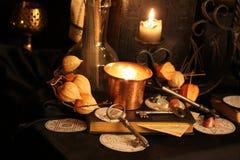 Encantos mágicos negros Encantos de Wiccan Foto de archivo