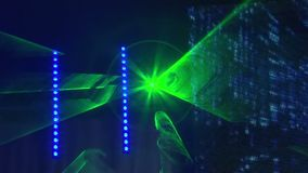 Encene as luzes no concerto com névoa, luzes da fase em um console, leve a fase do concerto, concerto do entretenimento