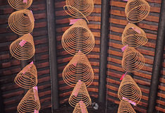 Encens dans la pagoda de Thien Hau images libres de droits