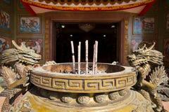 Encens dans le temple chinois Photo libre de droits