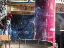 Encens dans le temple de Taïwan Images libres de droits