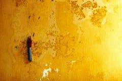 Encensoir accrochant sur le mur en ville antique de Hoi An, Vietnam Images libres de droits