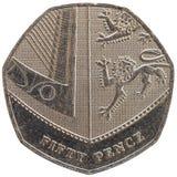 50 encentmynt mynt, Förenade kungariket isolerade över vit Royaltyfria Bilder