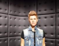 Encere la estatua del cantante Justin Bieber de hollywood en los tussauds Londres de la señora fotos de archivo