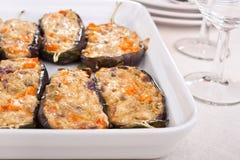 Enchido com beringelas do queijo em um prato Fotos de Stock