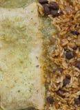 Enchilada mit Bohnen und Reis Stockfotografie