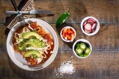 Enchiladas rossi del pollo fotografia stock