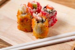 Enchimentos do sushi das ovas do caranguejo Fotos de Stock Royalty Free