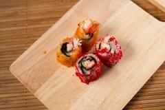 Enchimentos do sushi das ovas do caranguejo Fotografia de Stock Royalty Free