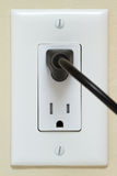 Enchufe eléctrico con el cable Fotos de archivo libres de regalías