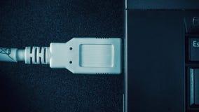 Enchufe y ordenador portátil del USB Imagen de archivo