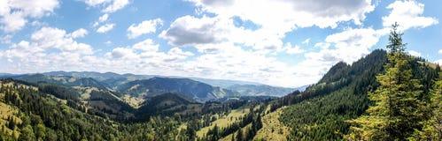 Encima de la montaña Imagen de archivo libre de regalías