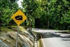 Encima de señal de tráfico de la colina Foto de archivo