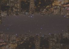 Encima del lado de ciudad abajo en la noche Fotografía de archivo