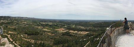 Encima del panorama del DES Baux de Château, Francia Imagen de archivo libre de regalías
