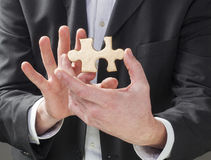 Encontrando a chave bem sucedida à estratégia empresarial imagens de stock royalty free