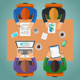 Encontrando-se no escritório, trabalhos de equipa, conceituando o conceito Imagem de Stock