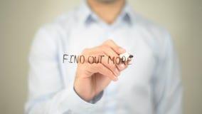 Encontre mais, escrita do homem na tela transparente Foto de Stock Royalty Free