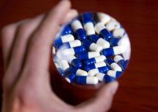 Encontre um conceito eficaz da medicina Fotografia de Stock
