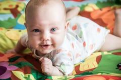 Encontro pequeno de sorriso do bebê Fotos de Stock