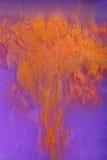 Encre orange dans le liquide images libres de droits