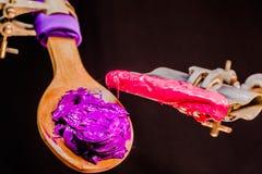 Encre pourpre et rose de couleur pour la copie sur le tee-shirt Photographie stock